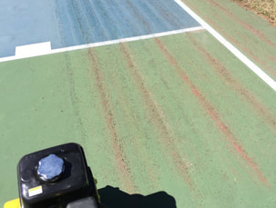 Removing-Bubbles-Tennis-Surface-Scarifying